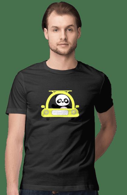 Панда в машині