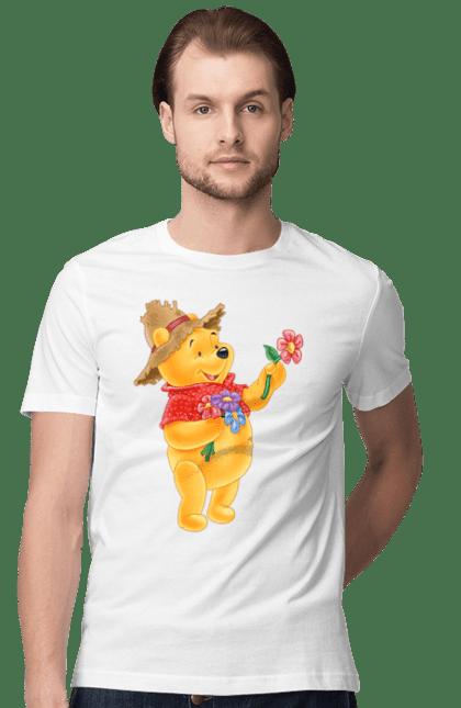 Футболка чоловіча з принтом Вінні Пух В Шляпі І З Квіткою. Вінні пух, квітка, мультик. BlackLine
