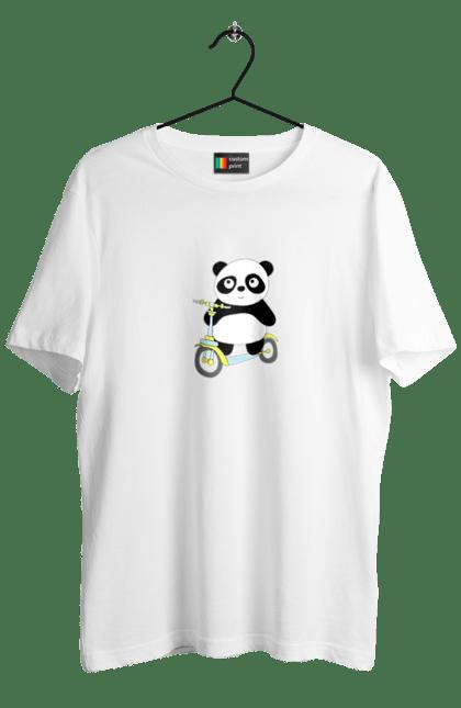 Панда на самокаті