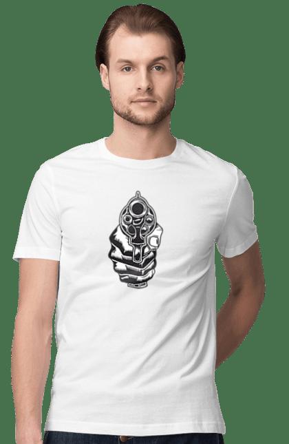 Футболка чоловіча з принтом Направлений Ствол. Арт, пістолет, ствол.