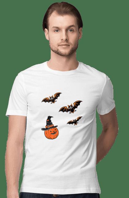 Футболка чоловіча з принтом Гарбуз в капелюсі і кажани. Гарбуз, капелюх, летучие мыши, летючі миші, ліхтар джека, тыква, фонарь джека, хеллоуин, шляпа. CustomPrint.market