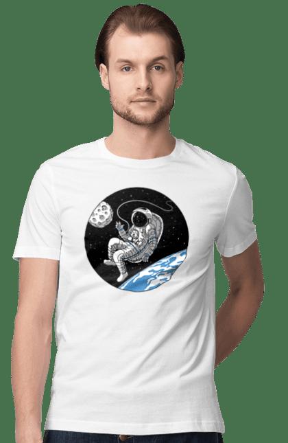 Космонавт В Космосі Коло