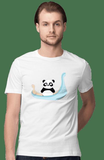 Панда на гондолі