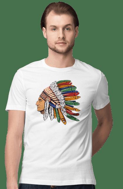 Футболка чоловіча з принтом Індіанець, Вид Збоку. Індіанець, пір'я.