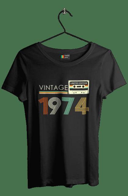 Футболка жіноча з принтом Вінтаж 1974. 1974, 70е, вінтаж, касета, ретро. CustomPrint.market