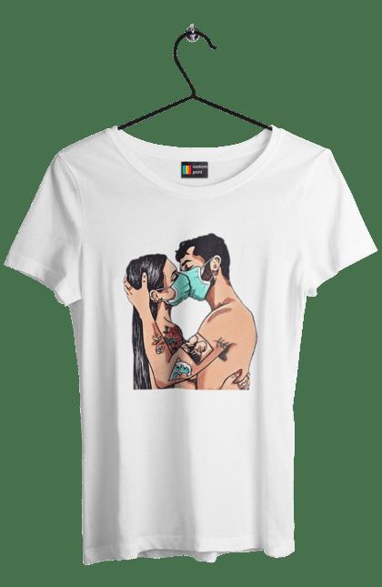 Футболка жіноча з принтом Коронавірусна Любов. Карантин, коронавірус, кохання, маска, поцілунок. BlackLine