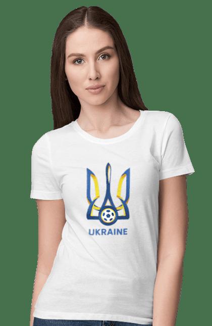 Футболка жіноча з принтом Футбол Герб України 2020 BlackLine