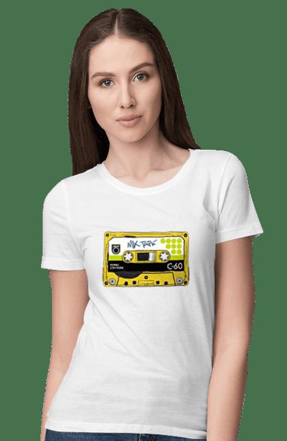 Футболка жіноча з принтом Жовта Касета Для Програвання. 90е, касета, музика. BlackLine