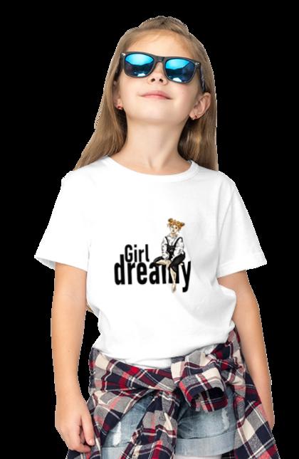 Футболка дитяча з принтом Мрійлива Дівчина. Дівчина, молода, мрійлива, наївна, руда.